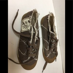 Steve madden factory distressed tennis shoes brown